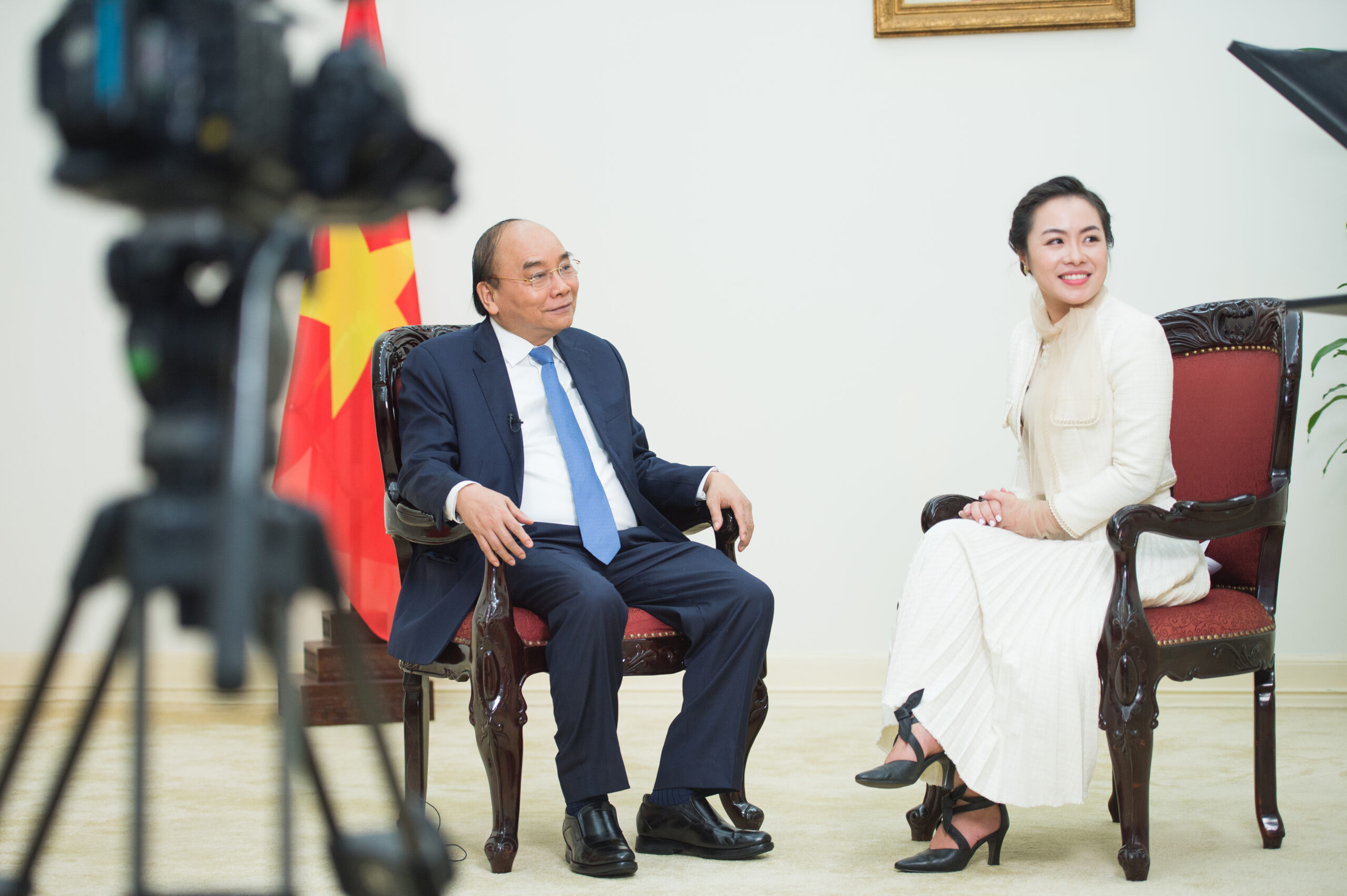 Cuộc ghi hình phỏng vấn Thủ tướng Chính phủ Nguyễn Xuân Phúc của chuyên gia Nguyễn Thy Nga, Ban tổ chức Ehealth Vietnam Summit